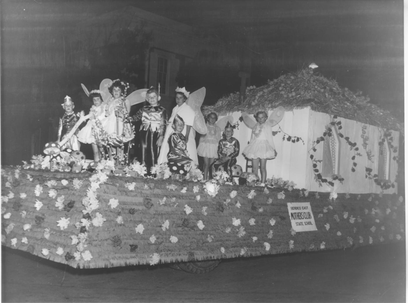 Bendigo Easter Fair Society historical parade photo